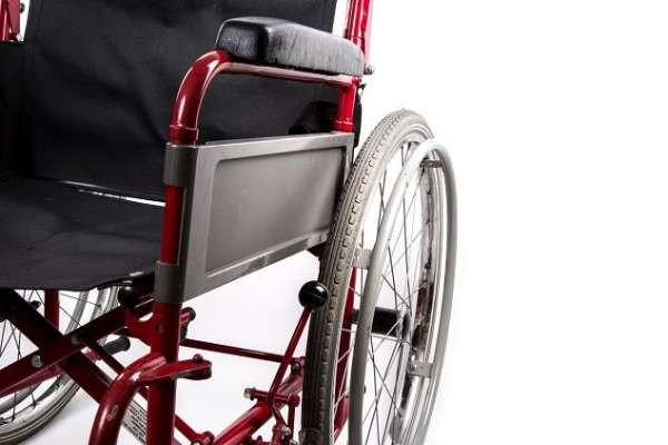 Жительница Петербурга притворилась инвалидом ради воровства кресла-коляски